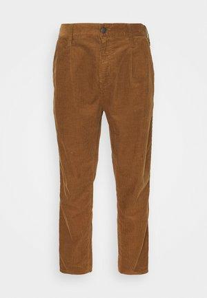 ABBOTT PANT FORD - Pantalon classique - hamilton brown rinsed