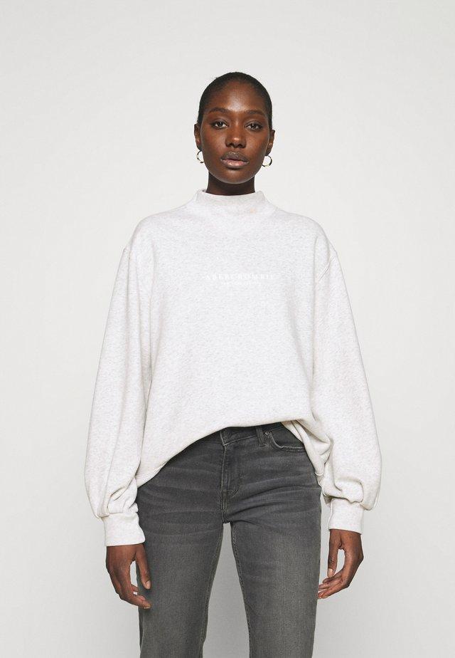 SEASONAL LOGO MOCK NECK CREW  - Sweatshirt - grey