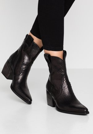 LUNA - Cowboy/biker ankle boot - black