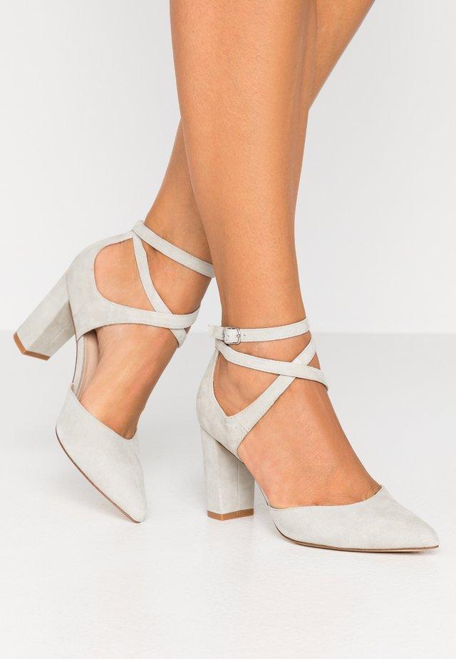 LEATHER CLASSIC HEELS - High heels - grey