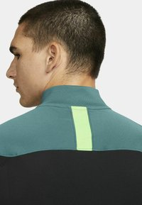 Nike Performance - DRY ACADEMY SUIT - Survêtement - black/black/green strike/green strike - 5