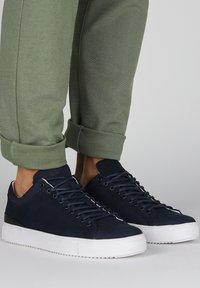 Blackstone - Sneakers - dark/blue denim - 1
