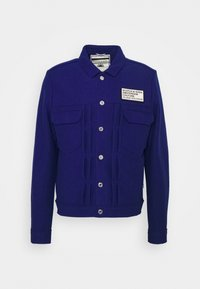 TRUCKER JACKET WITH CHEST BADGE - Summer jacket - yinmin blue