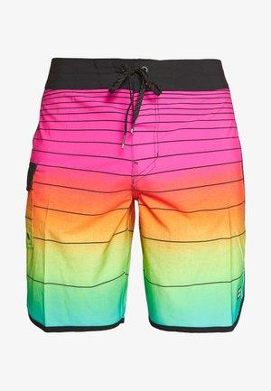 STRIPE PRO - Swimming shorts - neon