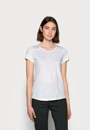 ONPALIX TRAINING TEE - Print T-shirt - white/safety yellow