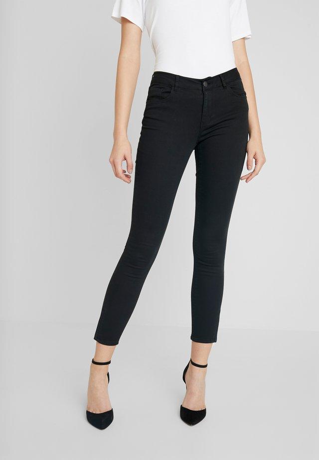 VMSEVEN SHAPE ZIP - Jeans Skinny Fit - black