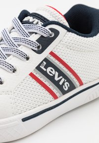 Levi's® - FUTURE  - Trainers - white/navy - 5