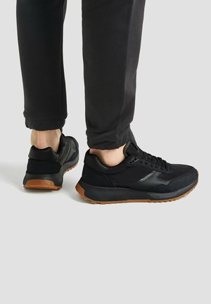 URBANE  - Trainers - black