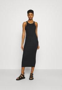 ONLY - ONLLINDSAY TANK TOP LONG DRESS - Denní šaty - black - 0