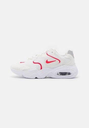 AIR MAX 2X - Zapatillas - summit white/siren red/white