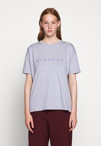 BLANCHE - MAIN HOLOGRAM - T-shirt imprimé - dove blue - 0