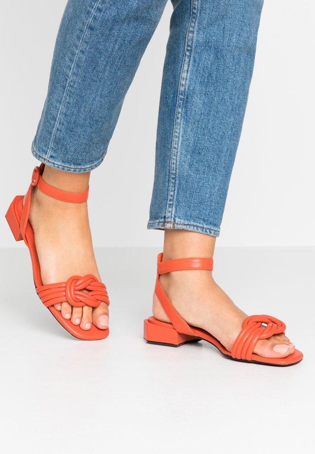 Sandály - arancio