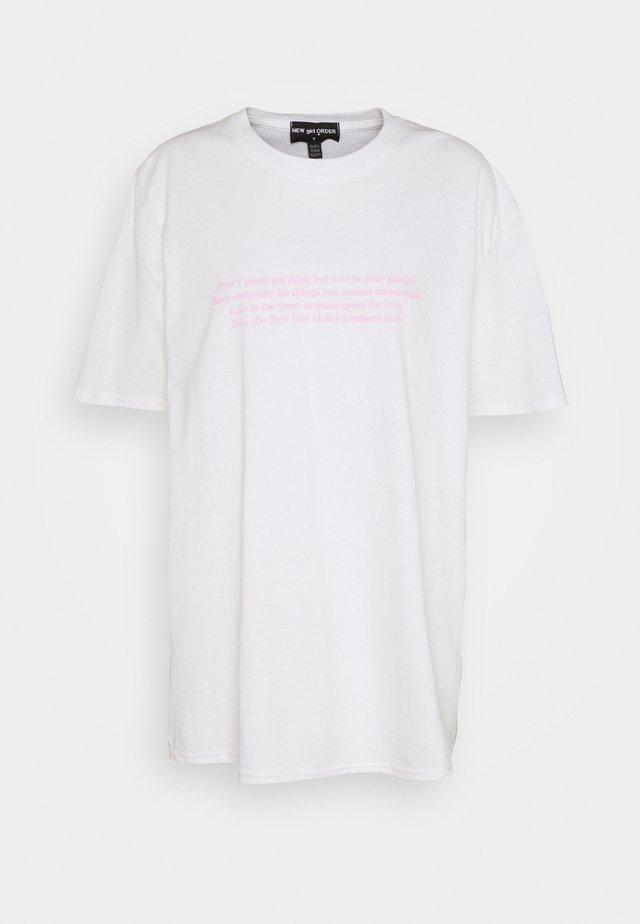 MANIFESTO TEE - Camiseta estampada - white