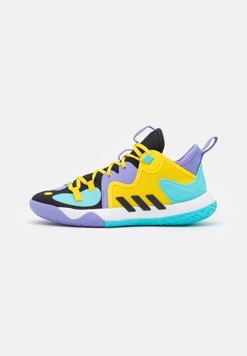HARDEN STEPBACK 2 BASKETBALL BOUNCE SHOES UNISEX - Basketball shoes - core black/team yellow
