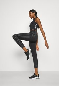 Nike Performance - TANK - Toppi - black/white - 3