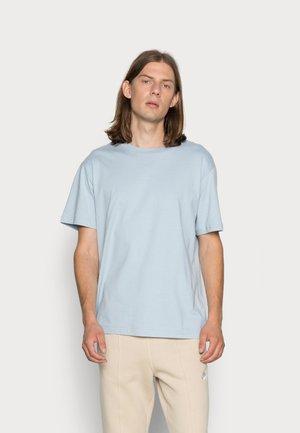 RELAXED - Basic T-shirt - greyish blue