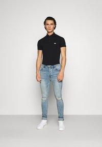 Antony Morato - PLATE ON FRONT - Polo shirt - black - 1