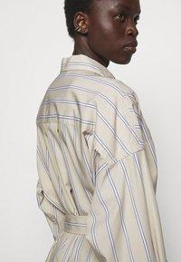3.1 Phillip Lim - STRIPED BUTTON UP SHIRT DRESS - Shirt dress - tan - 3