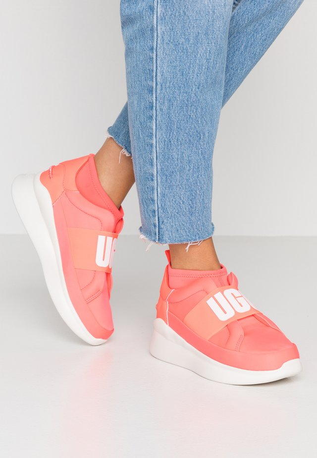 NEUTRA - Slip-ons - neon coral