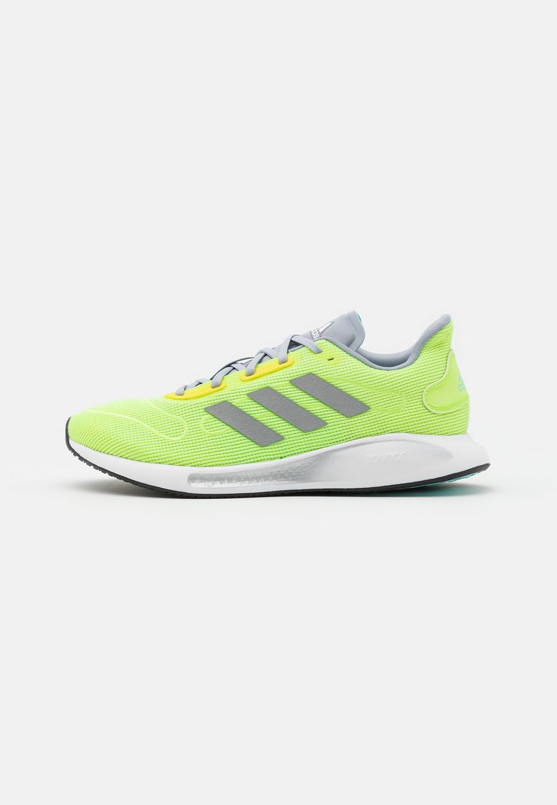 adidas Performance - GALAXAR RUN - Neutrální běžecké boty - hi-res yellow/silver metallic/halo silver