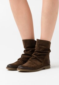 Felmini - CLASH - Classic ankle boots - marvin olive - 0