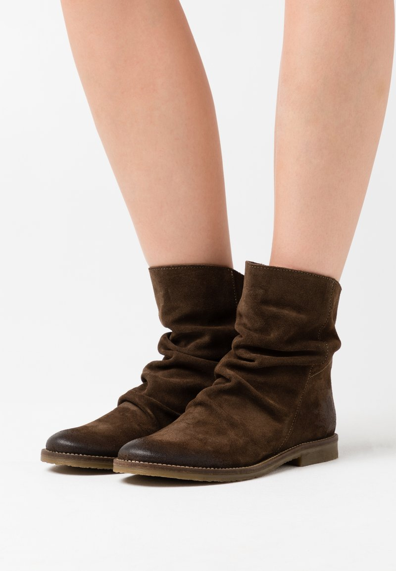 Felmini - CLASH - Classic ankle boots - marvin olive