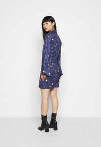 Never Fully Dressed Petite - HIGH NECK MINI MOON AND STARS DRESS - Etui-jurk - navy/multi - 2