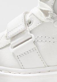 Dr. Martens - ZUMA II 5 EYE - Ankle boots - optical white/virginia - 2