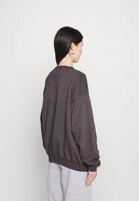 BDG Urban Outfitters - CREWNEWCK  - Sweatshirt - grape - 2