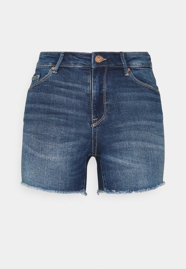 ONLBLUSH  LIFE MID RAW - Shorts vaqueros - dark blue denim