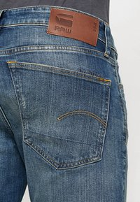 G-Star - 3301 STRAIGHT - Džíny Straight Fit - higa stretch denim - medium aged - 5