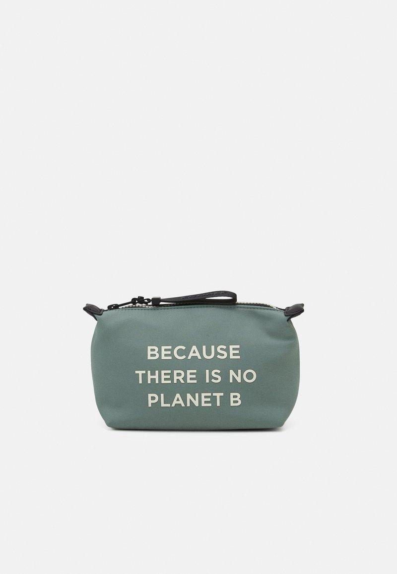 Ecoalf - VANITY CASE MESSAGE - Kosmetická taška - sage