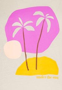 TOM TAILOR DENIM - BASIC PRINT TEE - Print T-shirt - soft creme beige - 2