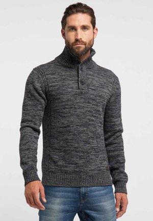 NORMAL FIT - Stickad tröja - black