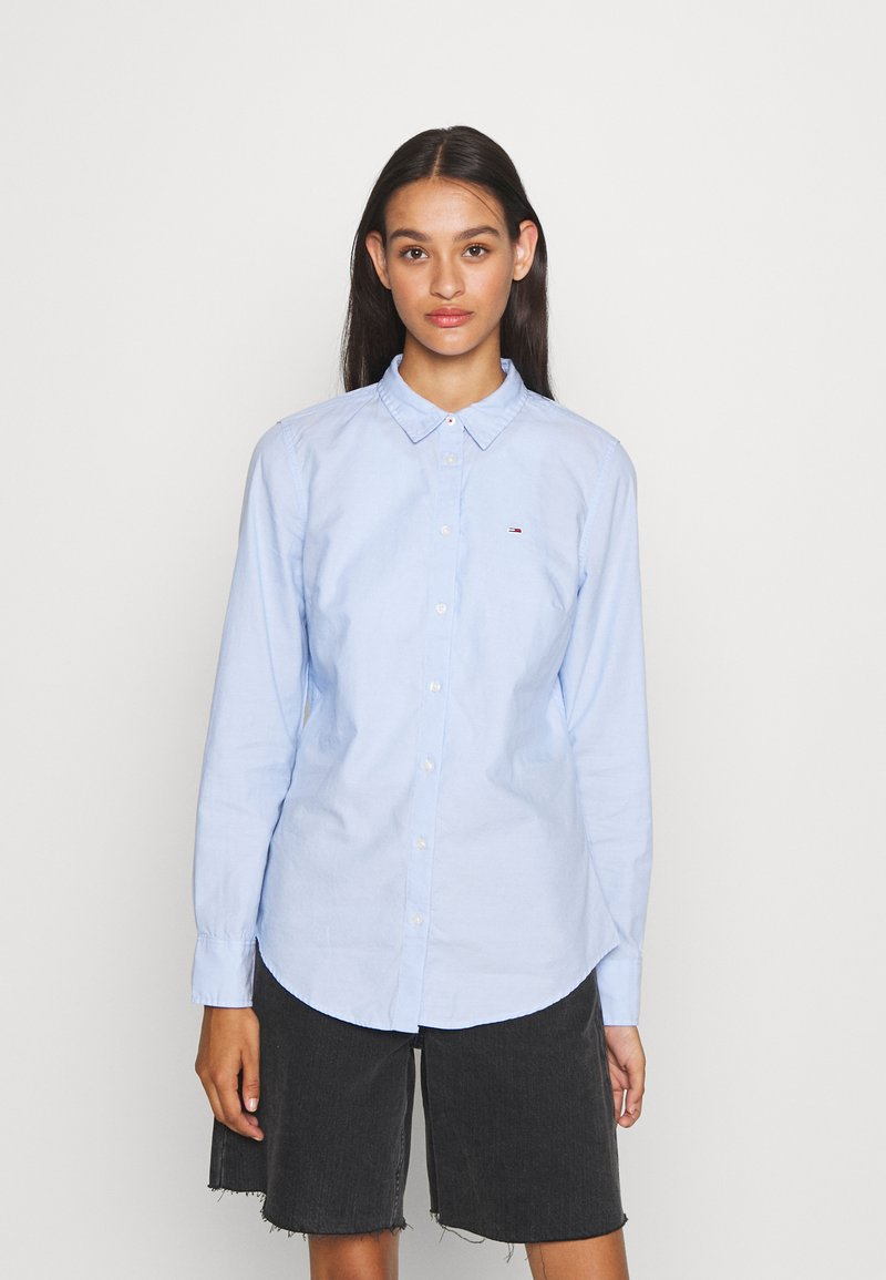 Tommy Jeans - SLIM FIT OXFORD - Button-down blouse - serenity