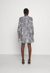 MICHAEL Michael Kors - LAWN ZEBRA MINI - Shirt dress - white/black - 2