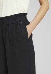 TOM TAILOR DENIM - Trousers - deep black - 4