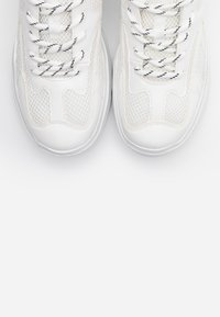 Monki - VEGAN EMINA - Tenisky - white light - 5