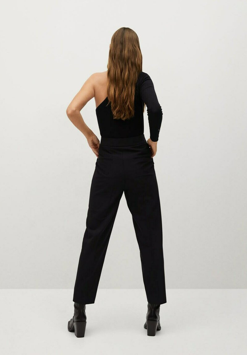 Mango - ZIPPER - Trousers - zwart