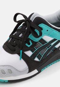ASICS SportStyle - GEL-LYTE III UNISEX - Zapatillas - white/black - 5