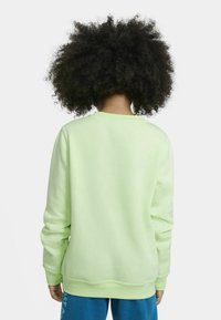 Nike Sportswear - CLUB CREW - Sudadera - light liquid lime - 2