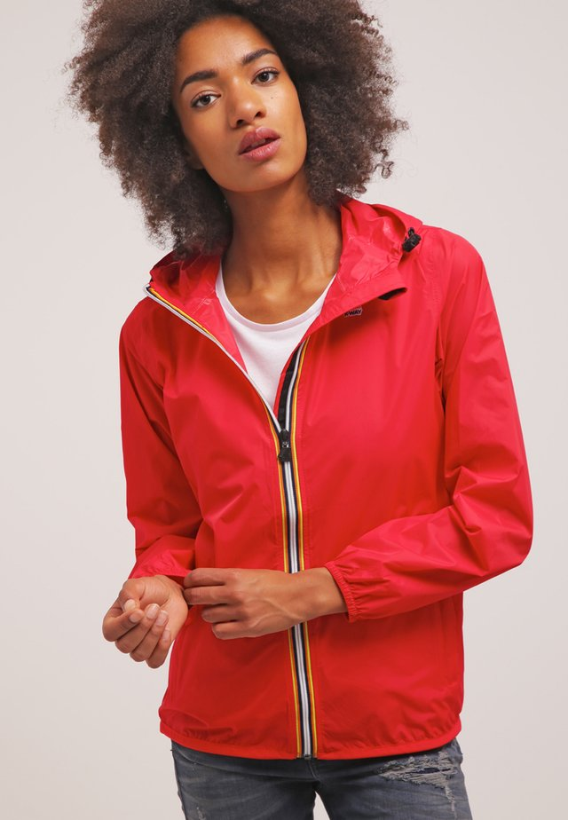 LE VRAI CLAUDETTE - Waterproof jacket - red