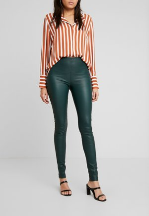 SFSYLVIA STRETCH - Leather trousers - ponderosa pine