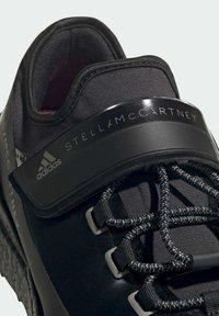 adidas by Stella McCartney - BOOST MACCARTNEY RAN.RDY RUNNING REGULAR SHOES - Zapatillas de trail running - black - 5