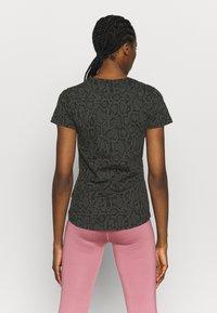 Puma - TEE - T-shirts med print - puma black - 2