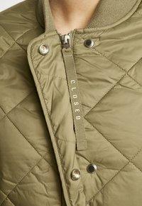 CLOSED - POSY  CLASSIC COAT - Classic coat - green umber - 6