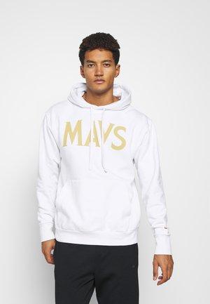 NBA DALLAS MAVERICKS CITY EDITION ESSENTIAL HOODIE - Klubové oblečení - white