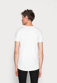Jack & Jones - JJEBAS TEE - T-Shirt basic - cloud dancer - 2