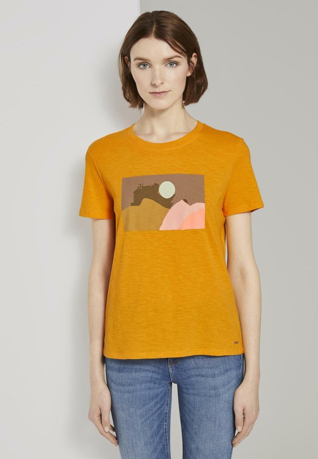 T-shirts med print - orange yellow