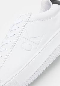 Calvin Klein Jeans - CHUNKY SOLE LACEUP - Trainers - bright white - 5